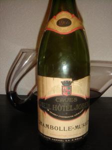 Chambolle-Musigny caves du Vieil Hôtel Jobert 1966