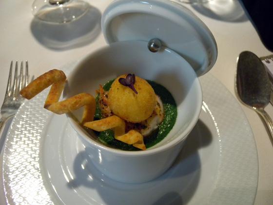 La Langoustine rôtie et oeufs de caille frit au parmesan