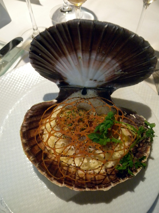 Les noix de coquilles Saint-Jacques de Norvège aux agrumes