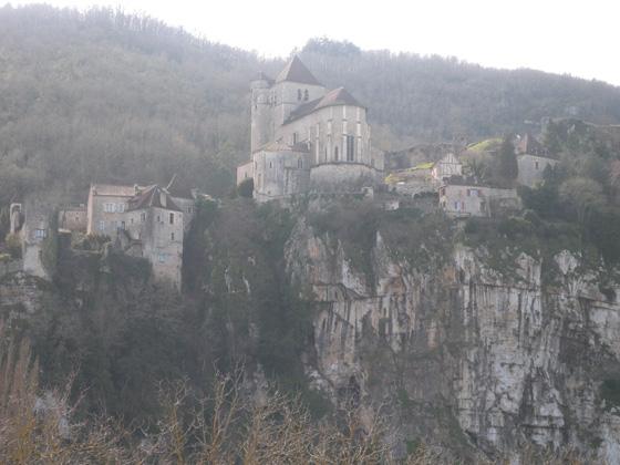 St-Cirq-Lapopie depuis la route
