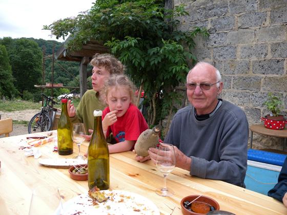 Anne avec sa fille et Pierre