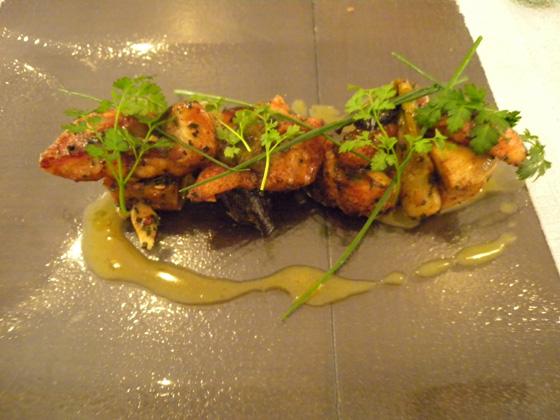 les filets d'anguille sauvage sautés minute à l'oignon nouveau